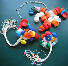 Put lights in the caps for patio or whatever Music Instruments Diy, Instrument Craft, Homemade Instruments, Kids Crafts, Diy And Crafts, Music For Kids, Diy For Kids, Birthday Girl Pictures, Baby Sense