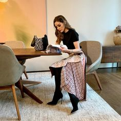 Perusing some real estate. Maybe a move is on the cards for 2020 🏡 Estilo Olivia Palermo, Olivia Palermo Outfit, Olivia Palermo Lookbook, Olivia Palermo Style, Style Casual, Classic Style, Johannes Huebl, Dramatic Classic, Looks Chic