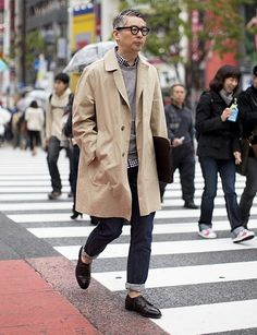 Icons of Style - Takahiro Kinoshita. We look at the style of editor of popeye magazine and how his effortless preppy and nerdy style looks so great Ivy Style, Mode Style, Style Me, Popeye Magazine, Bon Look, Style Masculin, Look Street Style, Mode Inspiration, Stylish Men