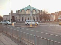 Descubriendo mi propia voz: Recorriendo Londres Una preciosa y original biblioteca en Fairlop East London, Libraries, London