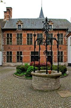 Gemeentelijk museum van Sint-Lambrechts-Woluwe, Karrestraat 40 in ...