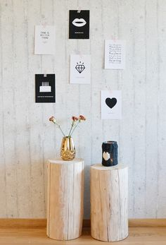stumps for displays Tree Stump Side Table, Natural Furniture, Inspirational Wall Art, Texture Design, Scandinavian Interior, Home Decor Inspiration, Home And Living, Accent Decor, House Styles