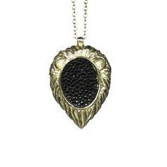 COLLETTE ISHIYAMA / Plain Mane Necklace Fancy Party, Pocket Watch, Parties, Pendant Necklace, Accessories, Jewelry, Fashion, Fiestas, Moda