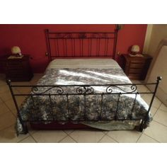 Wrought iron bed. Customize Realizations. 986
