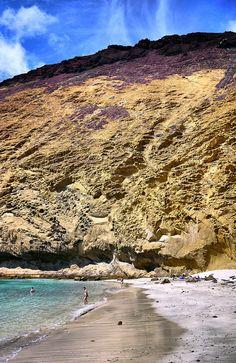 MONTAÑA AMARILLA. La Graciosa. Tenerife, Beach Fun, Beach Trip, Paraiso Natural, Balea, In Ancient Times, Being In The World, Canary Islands, Holiday Destinations