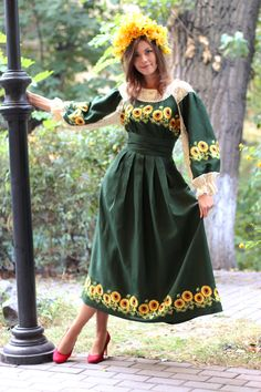 Linen dress with embroideredauthor satin stitch Ethnic Fashion, Hijab Fashion, Fashion Dresses, Womens Fashion, Ukrainian Dress, Ukraine Women, Ethno Style, Mode Simple, Embroidery Dress