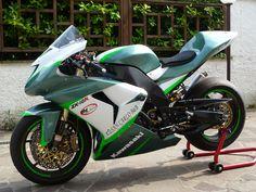Kawasaki Ninja zx10r 2006. #KawasakiBikes
