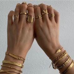 Trendy Jewelry, Cute Jewelry, Luxury Jewelry, Gold Jewelry, Jewelery, Jewelry Accessories, Fashion Accessories, Fashion Jewelry, Jewelry Box
