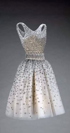 It's a sin to critique Dior but without the embellishment this would be fab for the girls! Dior Dress - SS 1958 - House of Dior (French, founded - Design by Yves Saint Laurent (French, Estilo Fashion, Moda Fashion, 1950s Fashion, Vintage Fashion, Victorian Fashion, Fashion Fashion, Fashion Ideas, Moda Vintage, Vintage Mode