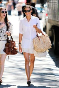 Olivia Palermo Photos Photos - Actress Olivia Palermo casually goes for a walk in New York City where the star showed off her summer style in a white button up shirt paired with a white skirt and flats. - Olivia Palermo Walks Around NYC Estilo Olivia Palermo, Olivia Palermo Style, Olivia Palermo Lookbook, Style Work, Her Style, Boho Style, City Style, Printemps Street Style, All White Outfit