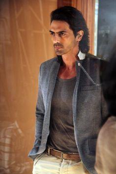 Did Arjun Rampal's Agency Drop Him Because of Hrithik Roshan? Shiva Photos, Elegant Man, Lakme Fashion Week, Most Beautiful Indian Actress, Hrithik Roshan, Indian Celebrities, Bollywood Stars, Good Looking Men, Mens Clothing Styles