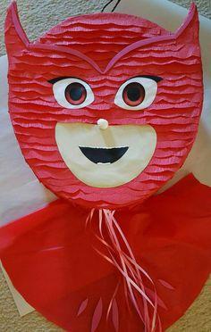 Owlette piñata inspirada por Pj máscaras