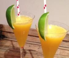 Recipe Tropical Cider Cocktail by Gayle Rowan, learn to make this recipe easily in your kitchen machine and discover other Thermomix recipes in Drinks. Cider Cocktails, Summer Cocktails, Cocktail Drinks, Fun Drinks, Beverages, Diet Food List, Food Lists, Bellini Recipe, Slice Of Lime