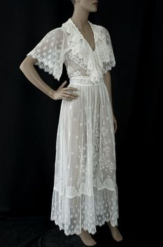 Edwardian clothing at Vintage Textile: #6959 lace tea dress