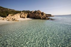 Die Insel Spargi im Archipel La Maddalena bei Sardinien, Italien.
