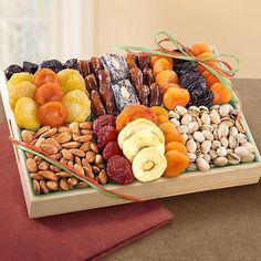 AP8001 Pacific Coast Deluxe Dried Fruit Tray with Nuts
