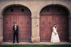 """Résultat de recherche d'images pour """"photo de couple mariage originale"""" Photo Couple, Images, Photos, Quirky Wedding, Search, Pictures"""