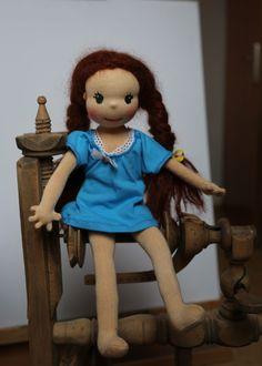 panenka sedí na kolvrátku jen v košilce Disney Characters, Fictional Characters, Dolls, Disney Princess, Art, Baby Dolls, Art Background, Puppet, Kunst