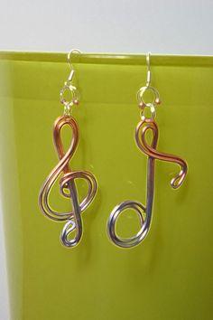 Avoir l'oreille musicale !! Boucles d'oreilles en fil aluminium