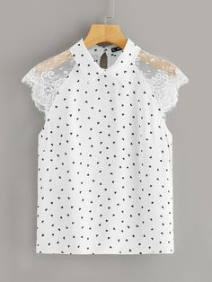 To find out about the Plus Lace Raglan Sleeve Heart Print Collared Blouse at SHEIN, part of our latest Plus Size Blouses ready to shop online today! Looks Plus Size, Collar Blouse, Plus Size Blouses, Printed Blouse, Blouses For Women, Women's Blouses, Types Of Sleeves, Sleeve Styles, Fashion News