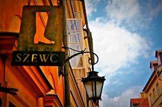 Podglądając szyldy na Starówce Warszawskiej