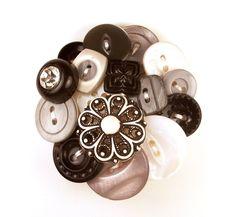 White Black Grey Button Brooch by annjepsen