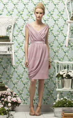 Lilac Chiffon Sheath V-neck Knee-length Bridesmaid Dress For Beach(NZBD06729)