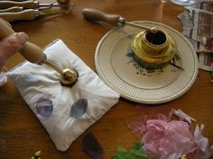 French flower-making tutorial #millinery #judithm #flowertools