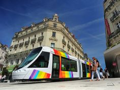 Alstom, Tram d'Angers Tramway Angers Loire Métropole, identité du réseau de transport publique Conception habillage intérieur et extérieur du tramway,  Design - Agence RCP Design Global