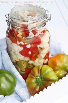 Muratura de gogosari si conopida conservata la rece Romanian Food, Romanian Recipes, Preserves, Celery, Pickles, Cucumber, Mason Jars, Traditional, Cooking