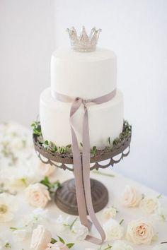 ♥♥♥  INSPIRAÇÃO: Bolos perfeitos para um mini-wedding ou noivado Os mini-weddings estão cada vez mais na moda! Este tipo de festa de casamento, que é conhecida por ser mais intimista, tem sido a escolha de muitas ... http://www.casareumbarato.com.br/inspiracao-bolos-perfeitos-para-um-mini-wedding-ou-noivado/