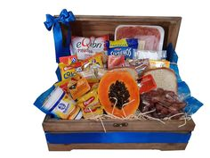 Banana, Vila Formosa, Sp Sp, Tea Gift Baskets, Wicker Baskets, Birthday Basket, Christmas Hamper, Cheese And Wine Hampers, Valentines Day Activities