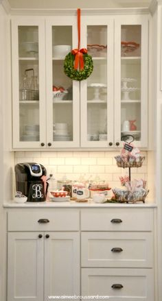 Holiday Hot Cocoa Station with a monogrammed Keurig 2.0 brewing machine.  #keurig400 #ad