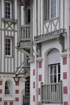 Deauville /Martine Haddouche/ Archi Design, Ville France, Old Windows, France Travel, Architecture, Tudor, Colonial, Cottage, Exterior