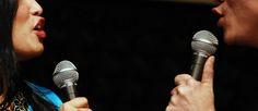 http://mundodemusicas.com/duetos/ - Neste post, decidimos por isso elaborar uma lista de duetos marcantes que juntaram figuras que até imaginávamos que pudessem dividir o mesmo microfone e ainda personalidades que nunca antes pensamos ver juntas mas que, a duas vozes, provaram ser tão boas ou melhores do que a uma.