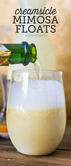 These Creamsicle Mimosa Floats are a delicious party drink - perfect for New Year's entertaining or a fun brunch drink! These Creamsicle Mimosa Floats are a delicious party drink - perfect for New Year's entertaining or a fun brunch drink! Brunch Drinks, Party Drinks, Cocktail Drinks, Cocktail Recipes, Alcoholic Drinks, Mimosa Party, Floats Drinks, Champagne Drinks, Drink Recipes