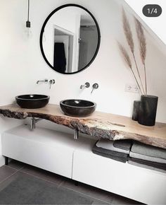 Badezimmer mit dusche Modern, minimalist bathroom with walk-in shower - New Ideas Your Own Home Inte Black Sink, Black Vase, Minimalist Bathroom, Modern Minimalist, Minimalist Living, Modern Living, Bathroom Interior Design, Nordic Interior Design, Kitchen Interior