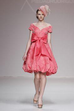 #kamzakrasou #sexi #love #jeans #clothes #dress #shoes #fashion #style #outfit #heels #bags #blouses #dress #dresses #dressup #trendy #tip #new #kiss Piedad Rodríguez vytvoril pútavé, veselé a zároveň elegantné modely - KAMzaKRÁSOU.sk