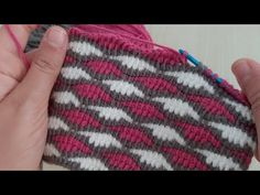 Tunisian Crochet Patterns, Crochet Coaster Pattern, Crochet Videos, Crochet Projects, Elsa, Knitted Hats, Beanie, Knitting, Unique