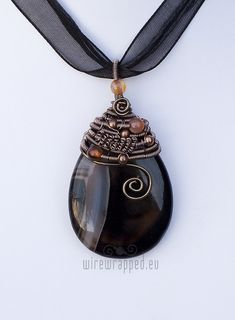Agate teardrop wire wrapped pendant by ukapala on Etsy, €45.00