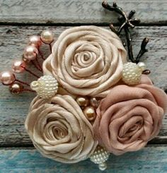 Beautiful shades of cream fabric roses Tissue Flowers, Satin Ribbon Flowers, Burlap Flowers, Shabby Flowers, Lace Flowers, Fabric Flowers, Fabric Rosette, Fabric Brooch, Textile Jewelry
