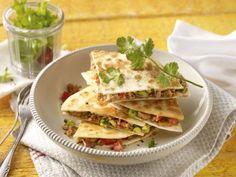 Mit Putenhack gefüllte Tortilla-Pizza - Rezept