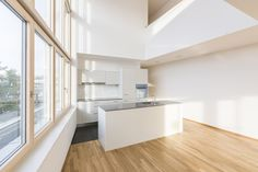 #architektur #wohnen #planung #neubau #galerie #maisonette #schweiz #zürich #innenraum Divider, Kitchen, Room, Furniture, Home Decor, New Construction, Switzerland, Room Interior, Architecture