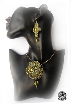 Green soutache set of pendant and earrings by caricatalia