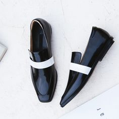 #chiko #chikoshoes #shoes #fashion #fashionable #style #lookbook #fall #winter #autumn #new #best #streetstyle #chic #trend #streetfashion #blackwhite #flats #slipon #2018 #edgy #spring
