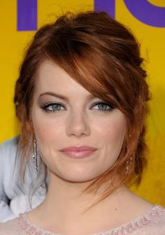 Another Emma Stone inspiration pic. She took a sheer wash of shimmery mauve to the browbone and balanced with apricot blush and soft pink lips.