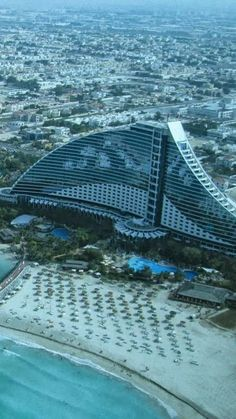 Jumeirah Beach Hotel, Dubai, UAE-  Luxury Lifestyle in Asia - http://richieast.com/