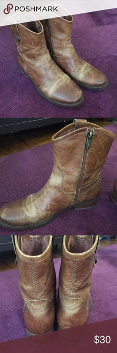 Vince Camuto Boots Only used less than a handful of times, these brown boots feature a worn-in leather look. Great all weather shoe. Leather upper, man made lining. Vince Camuto Shoes Ankle Boots & Booties