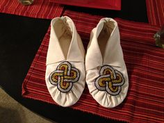 Cherokee pucker toe moccasins with beaded accent