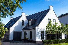 Binnenkijken bij Eva - My Simply Special Bauhaus, Live In Style, Modern Barn, Florida Home, Future House, House Plans, Sweet Home, Villa, New Homes